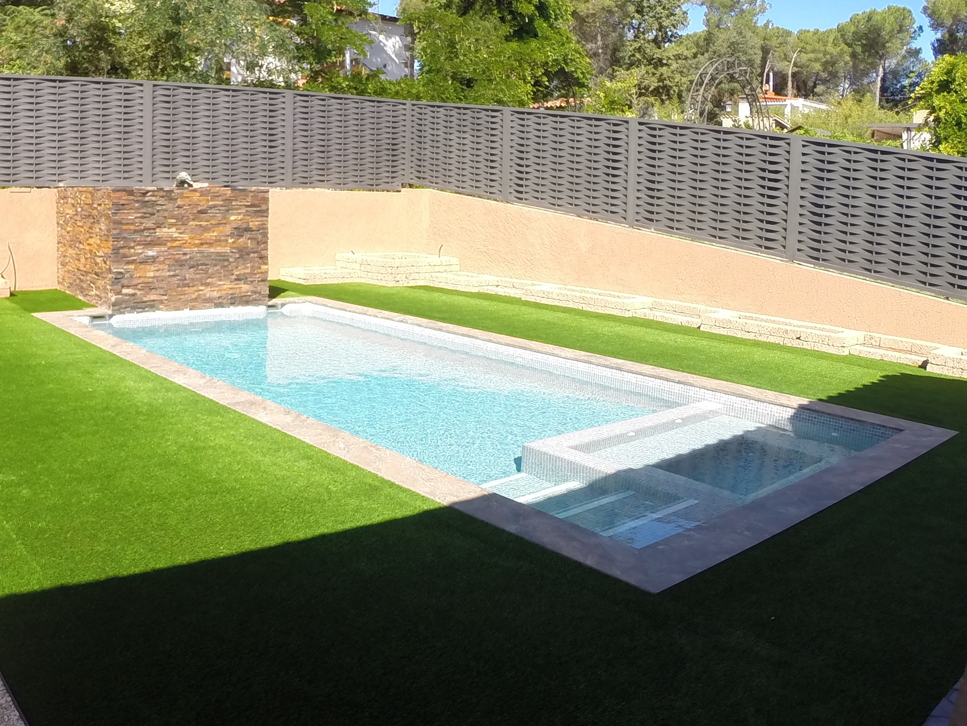 Como fabricar una piscina affordable cmo hacer una for Cuanto cuesta una piscina de fibra