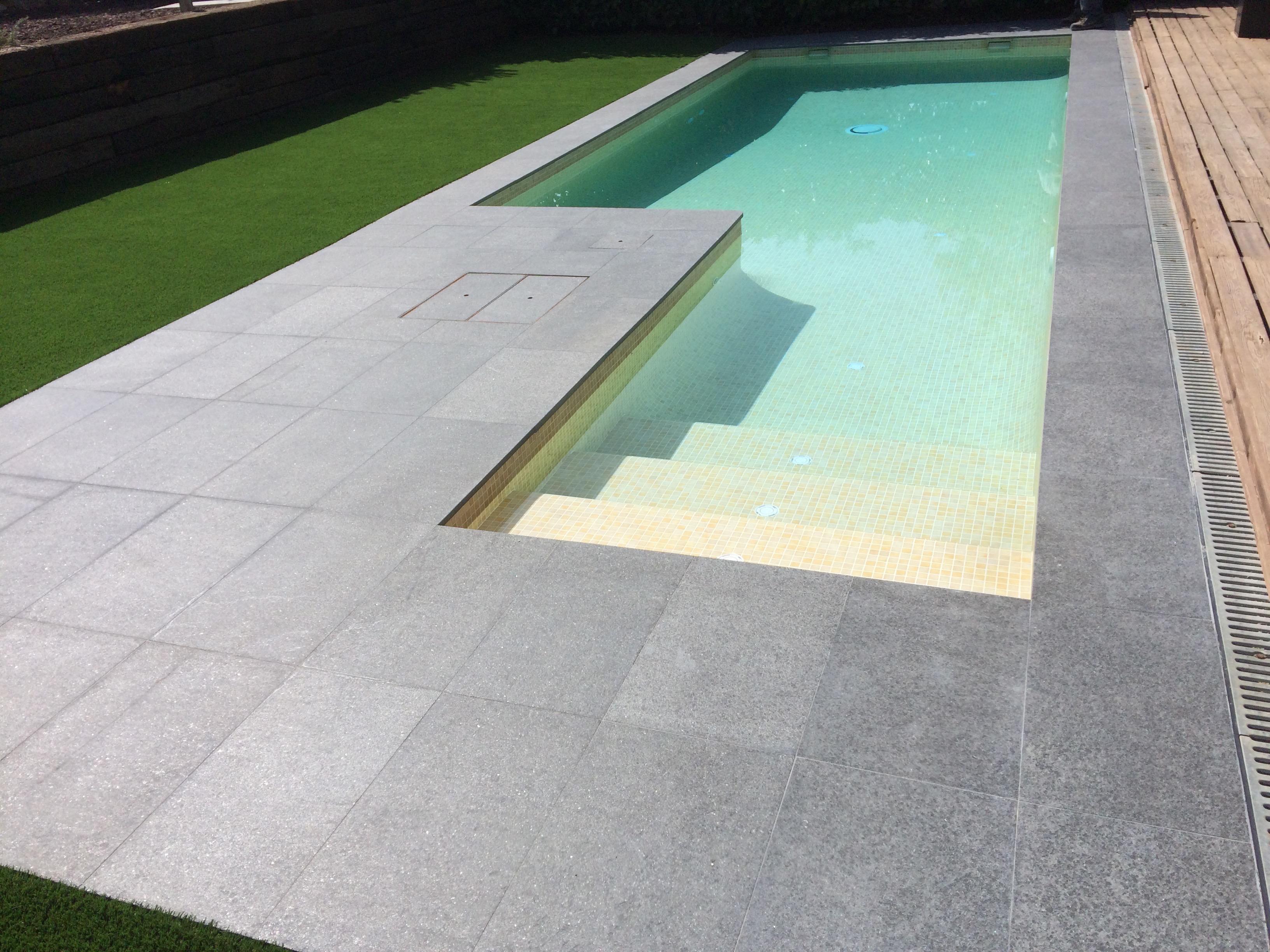Construcci n de piscinas piscinas aop - Coronacion de piscinas precios ...