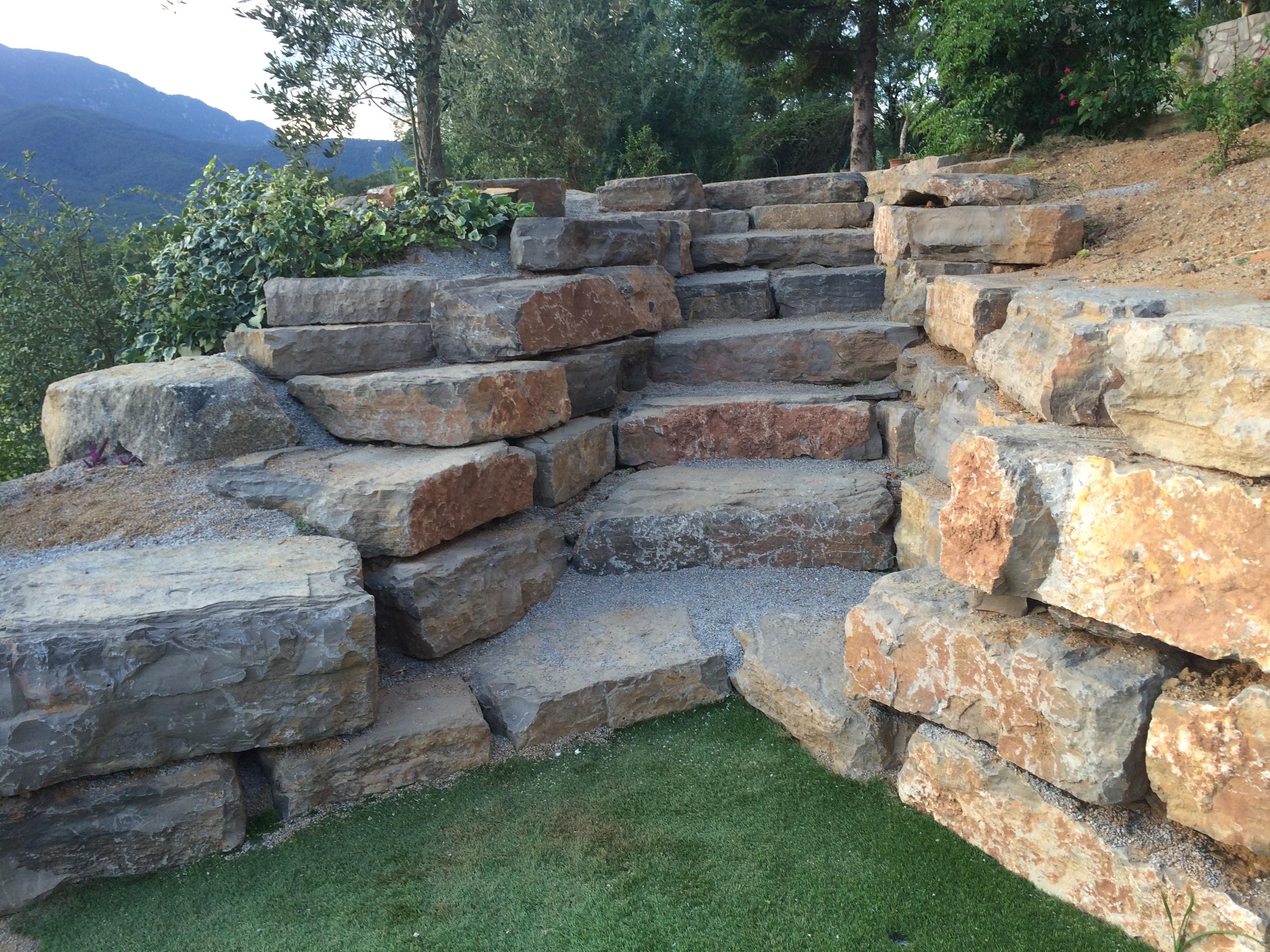 Construcci n de piscinas piscinas aop - Muros de rocalla ...