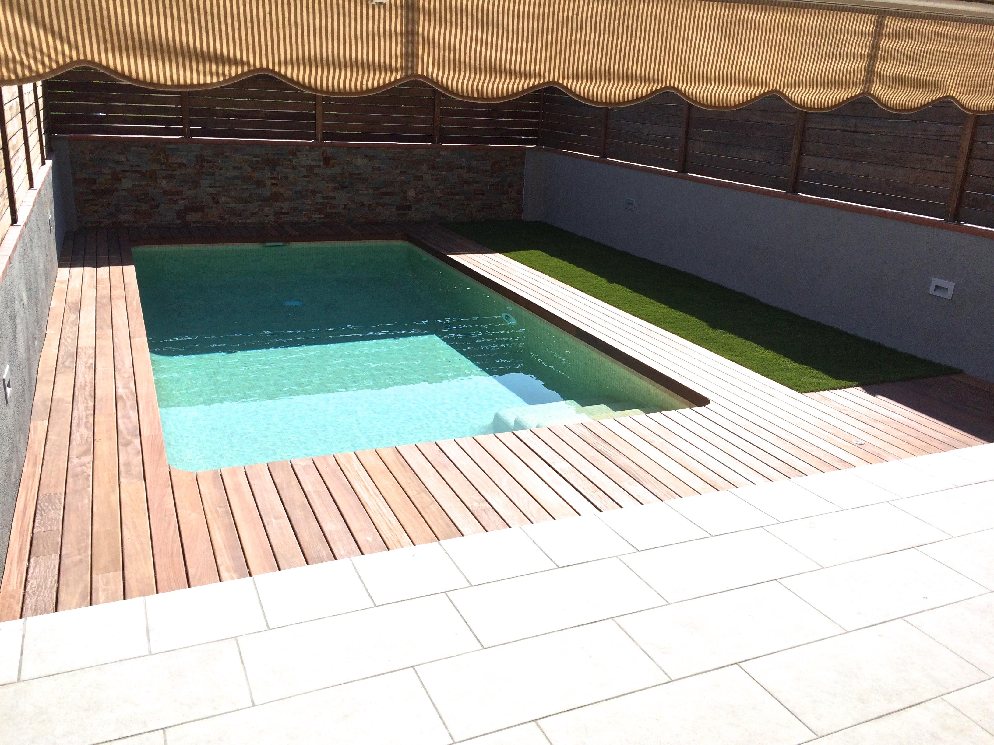 Noticias piscinasaop for Gresite para piscinas precios