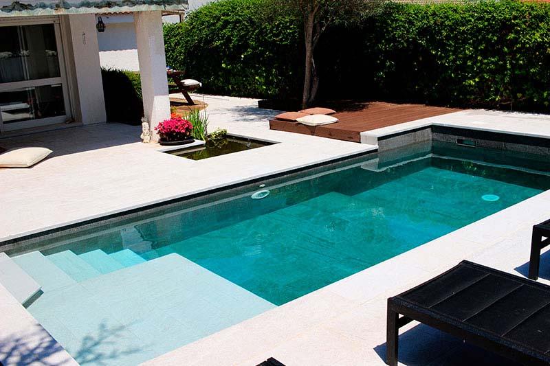 Noticias de construcci n de piscinas piscinas aop for Colocar gresite piscina